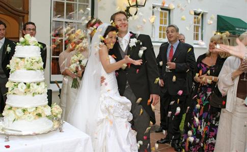 ¿Cuántas invitaciones de boda hacer para mi boda?