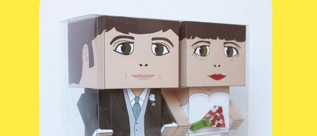 Novios de papel personalizados