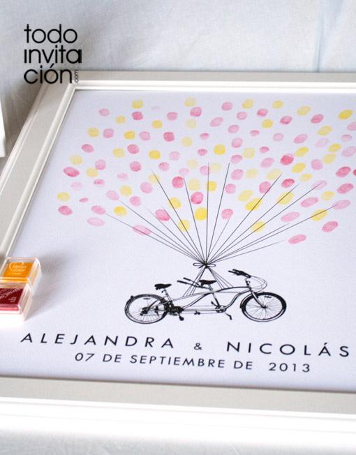 cuadro de huellas boda bici