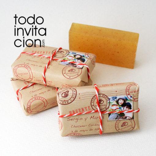 jabón vegetal para bodas estilo paquete postal