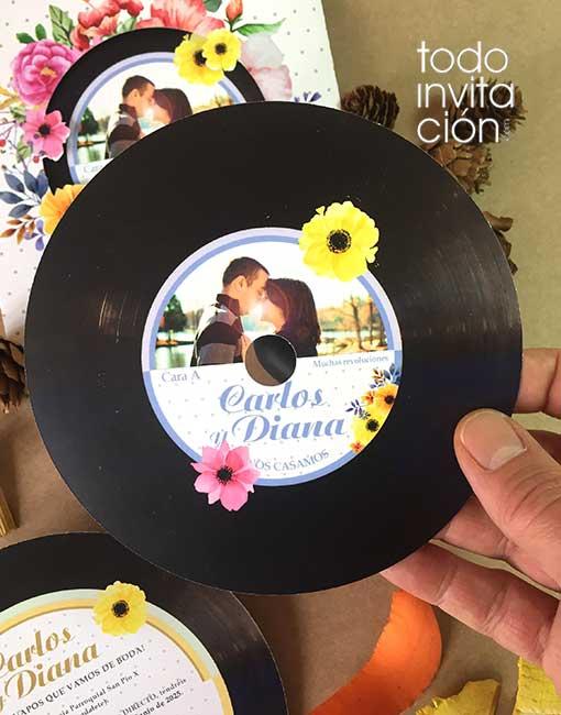 invitacion de boda disco de vinilo flores